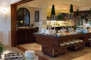 The buffet and open kitchen corner of Aqua restaurant.