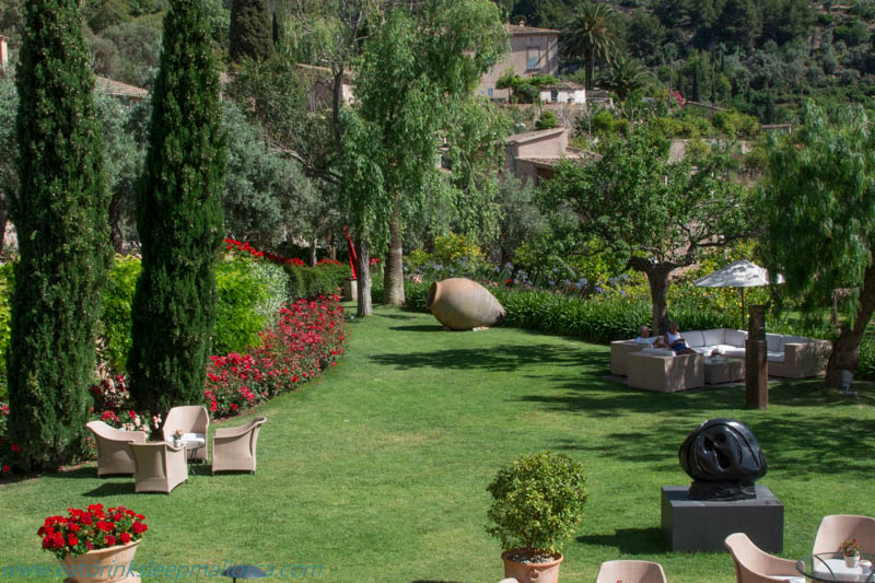 La Residencia sculpture garden