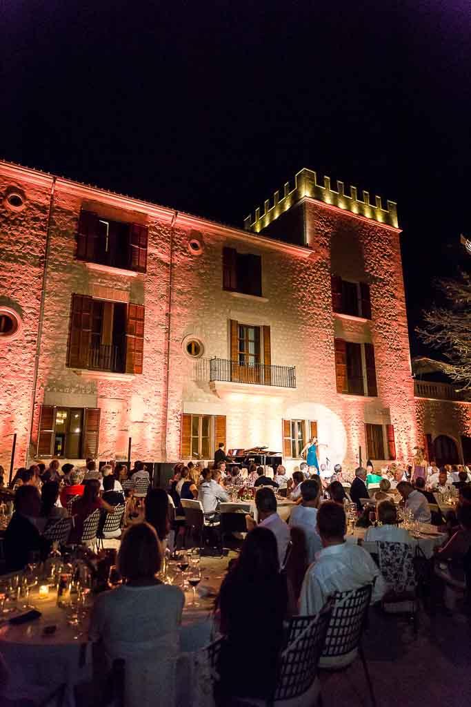 Castell Son Claret at night.