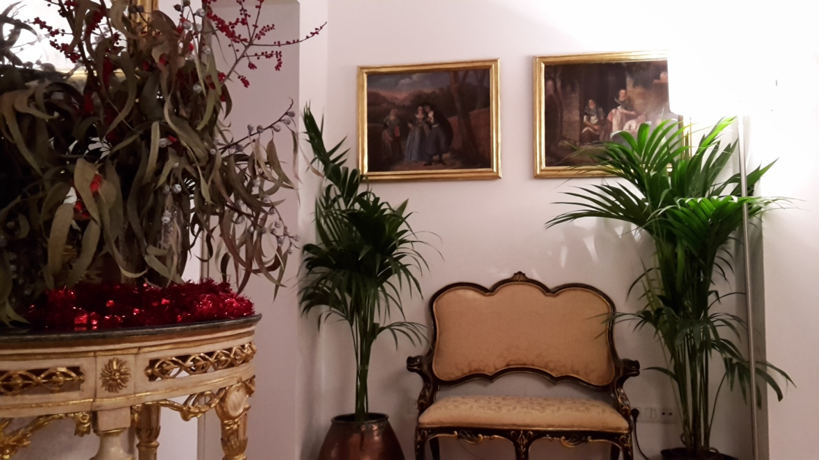 Antiques and art at Art Hotel Palma