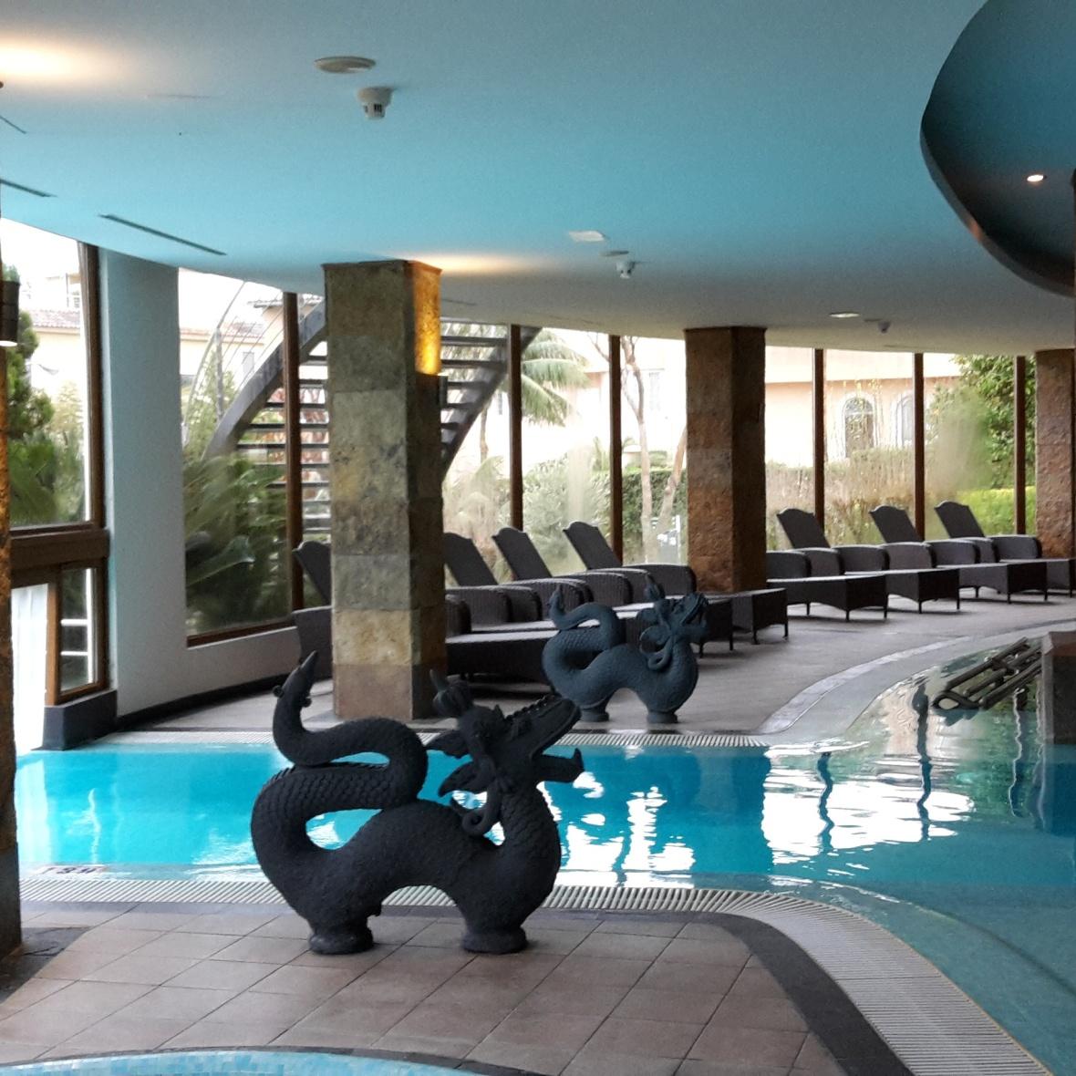 Valparaiso Spa indoor pool