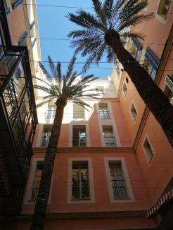 Hotel Mama's inner courtyard