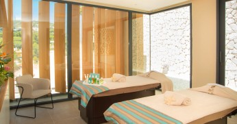 Son Vida Spa treatment room