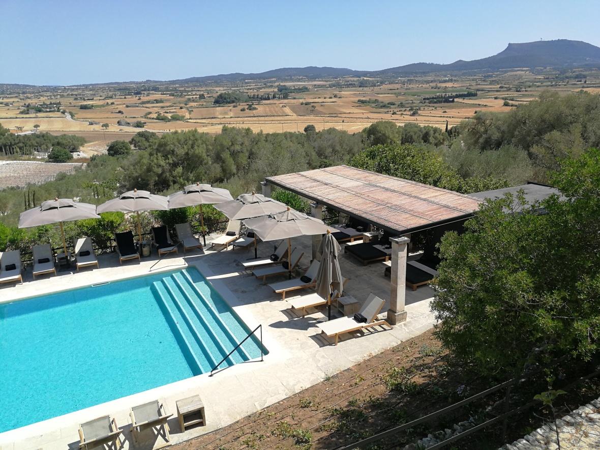 View down to pool at Finca Serena