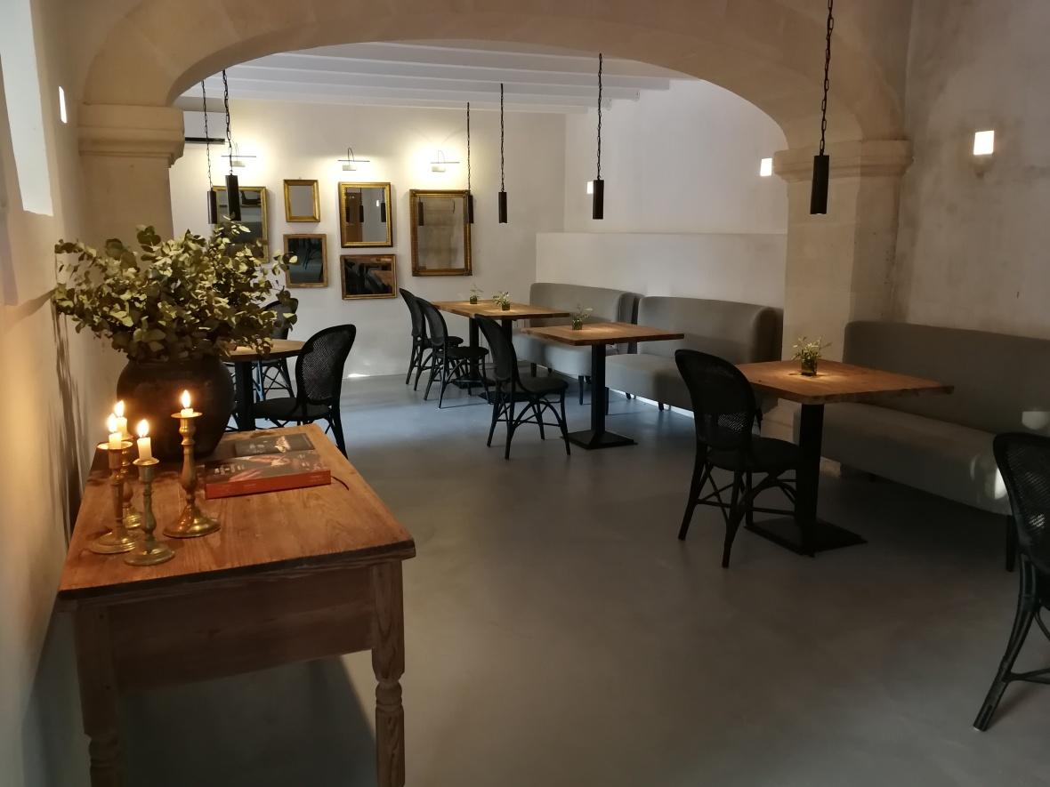 Jacaranda restaurant interior