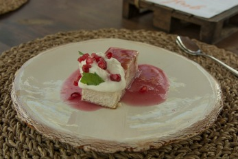 'Greoxonera' of cottage cheese with pomegranate