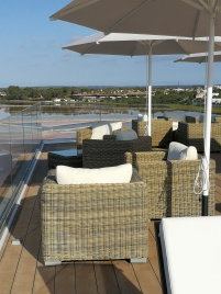 Very large rooftop has views over the salt lakes