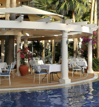 La Pergola restaurant by the swimming pool